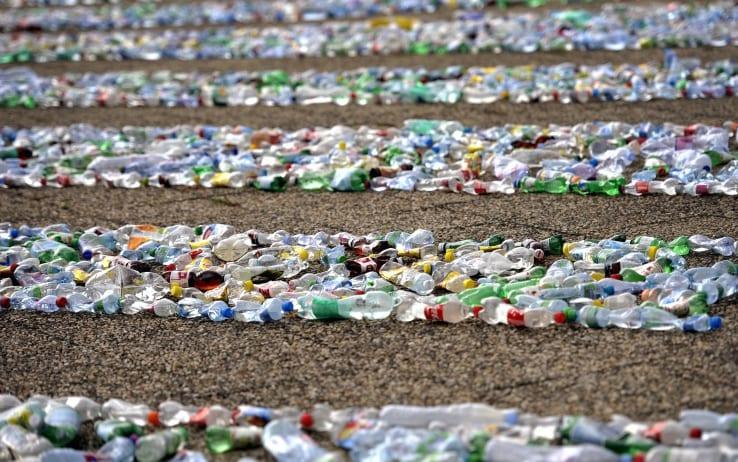 tassa sulla plastica